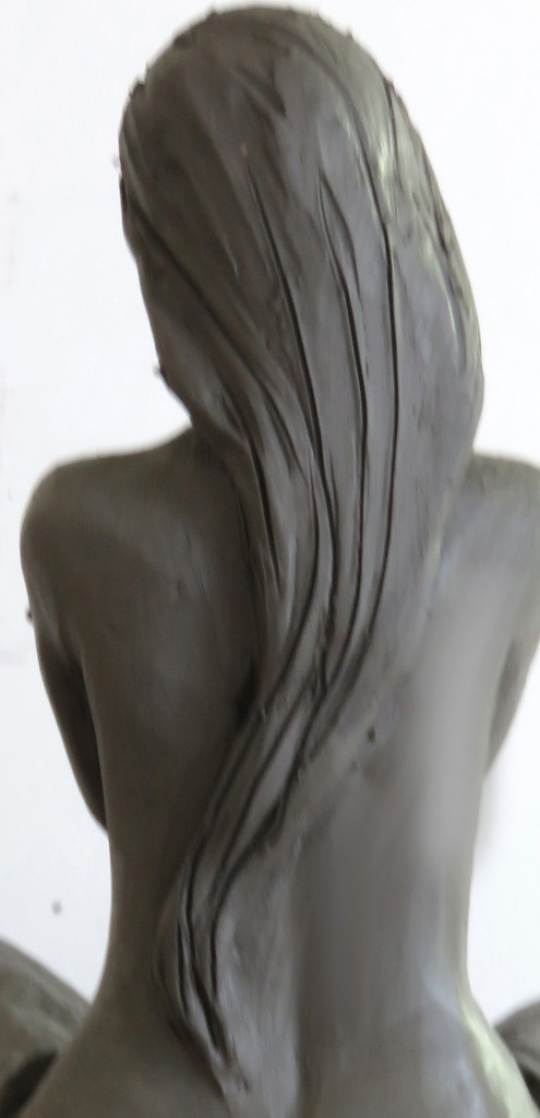 mainsdanslaterre-sculpture-cheveux